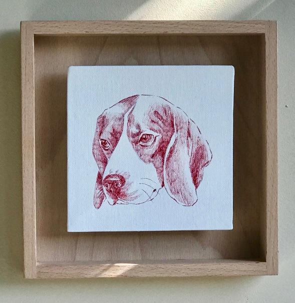 dessin d'un beagle au stylo bic rouge